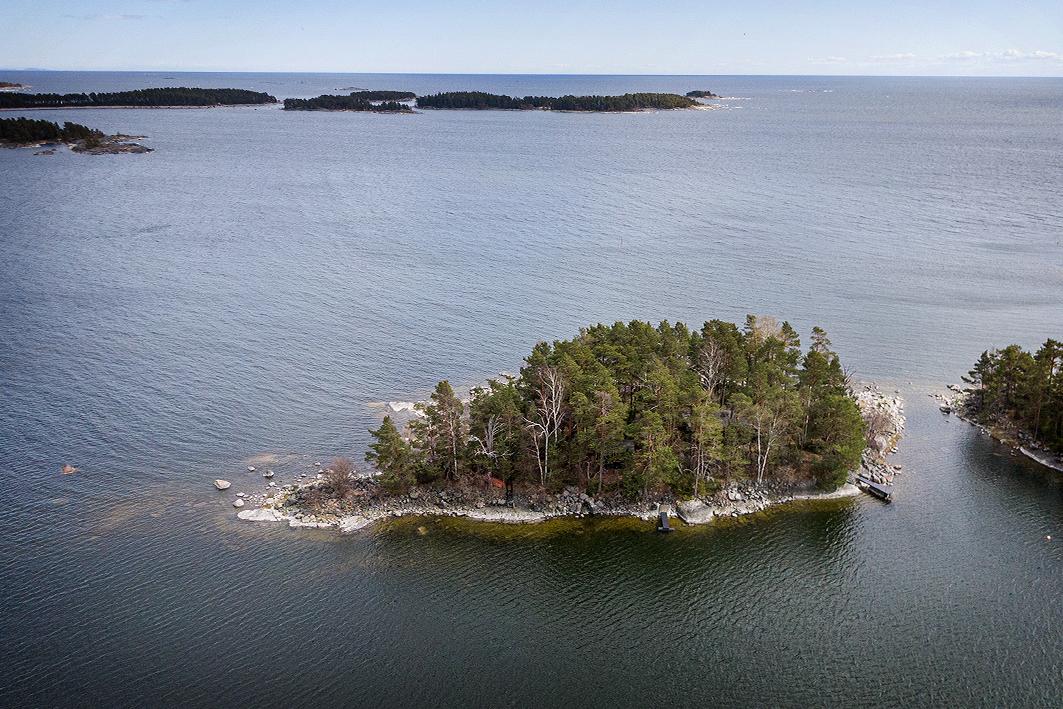 Porvoo, Kokonainen saari Pellingin ulkosaaristossa, Korsholmen 10